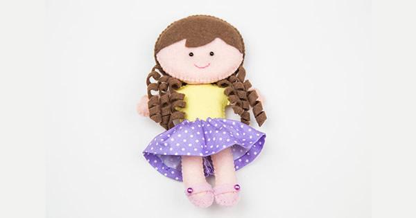 Como fazer boneca de feltro – Passo a Passo e  Molde