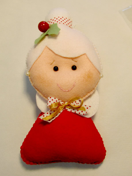 Mamãe Noel de feltro finalizada
