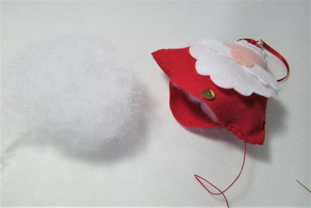 Como Fazer um Papai Noel de Feltro - Pingente de Natal Passo a Passo cb49d389b76