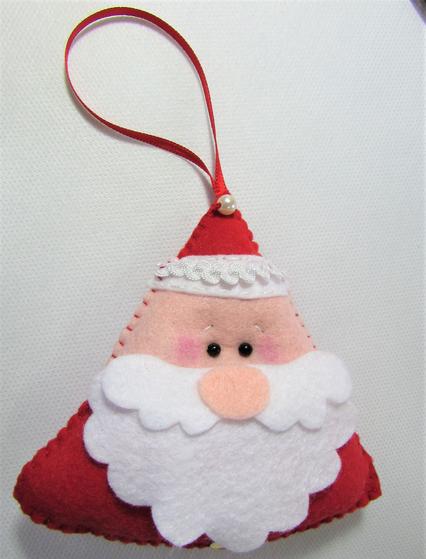 Papai Noel de feltro finalizado