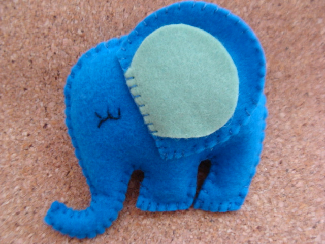 como fazer elefante de feltro