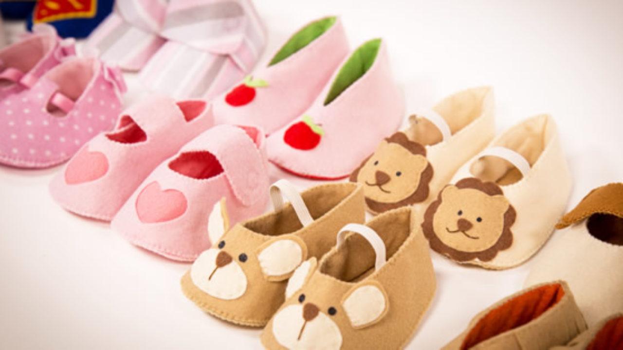 6a3e6723a 10 Modelos de Sapatinhos de Bebê em Feltro Para Fazer em Casa!