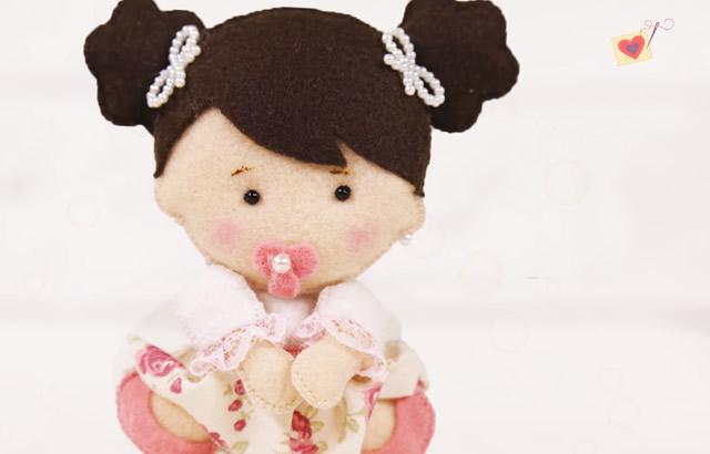 bonequinha de feltro bebê