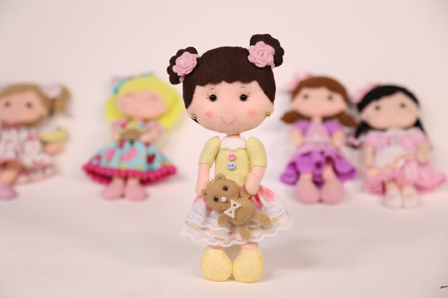 boneca de feltro molde