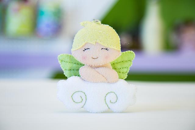 anjo de feltro - chaveiro para lembrancinha de batizado