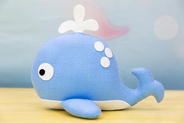 baleia de feltro