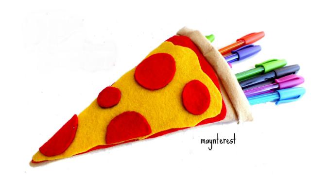 Estojo de feltro em formato de pizza