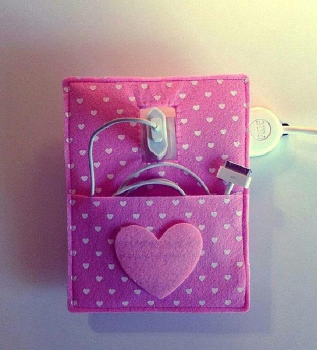 Porta carregador de celular com coração
