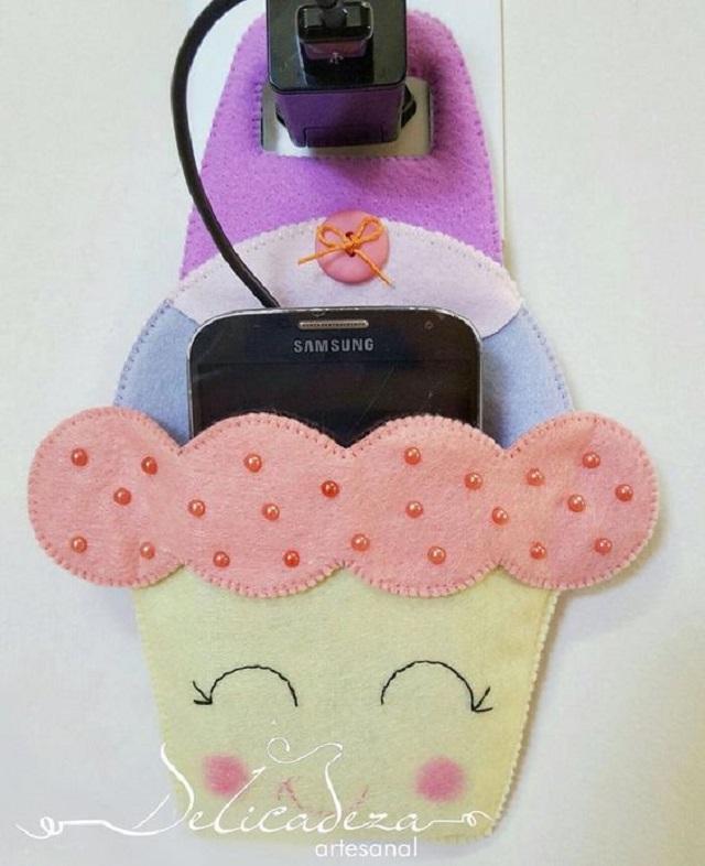 Porta carregador de celular de bolinho