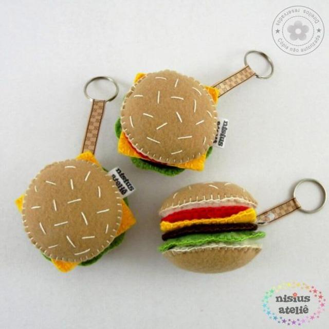 Chaveiros de hambúrgueres de feltro