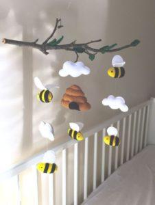 Móbile de feltro abelhinhas