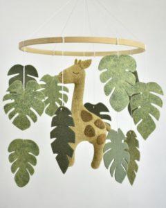 Móbile de feltro girafa