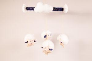 Móbile de feltro ovelhinhas