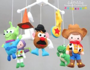 Móbile de feltro toy story