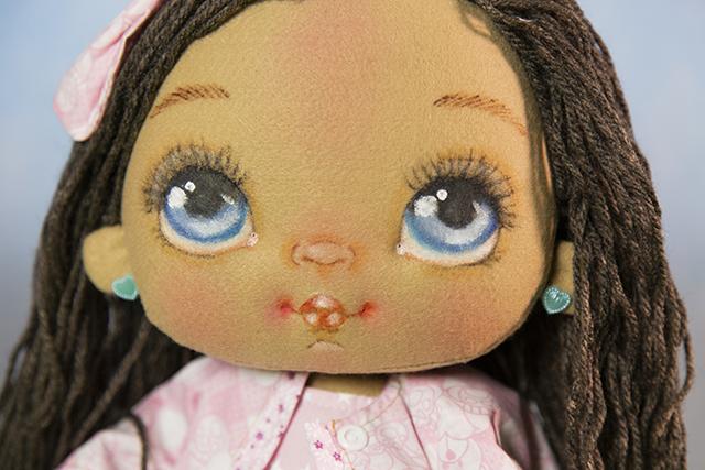 boneca de feltro realista