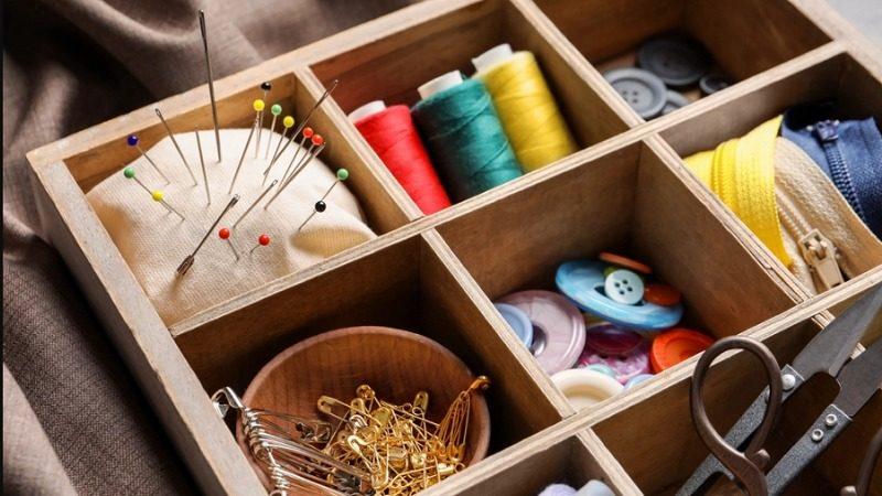 10 Formas Incríveis de Guardar e Organizar seus Materiais no Ateliê de Costura